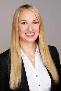 Assistant (f) Stephanie Jochim