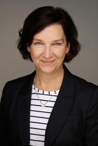 Assistant (f) Bettina Thomale
